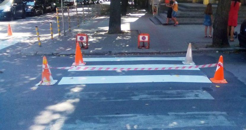 Кампания преди 15 септември: Във Варна подновяват пешеходните пътеки около училищата