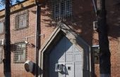 Инспектор от варненския затвор, разследван за подкуп остава под домашен арест