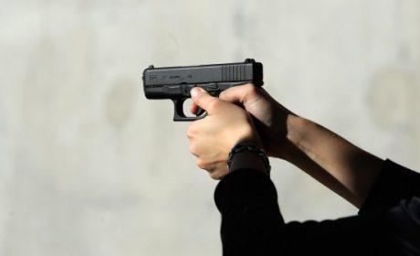 Непълнолетен извърши въоръжен грабеж в магазин