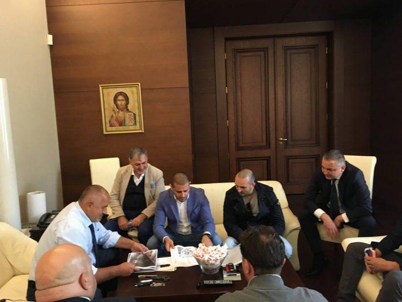 Фенове издържат Спартак до края на сезона
