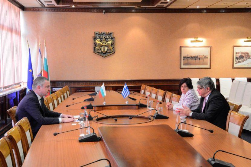 Посланикът на Гърция: Трябва да развиваме транспортните връзки Варна- Кавала