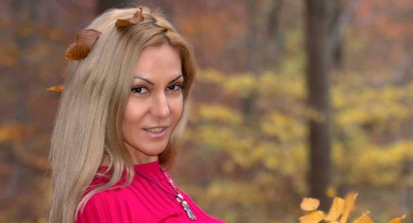 """""""Есента"""" от Мариела Русева"""