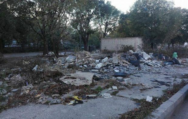 """Сринаха пазарчето до Автогарата заради новия бул. """"Левски"""", 200 имота падат под багера"""