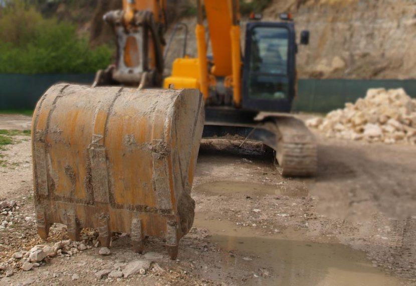 Влагат над 2 милиона лева в добив на варовици от находище край Суворово