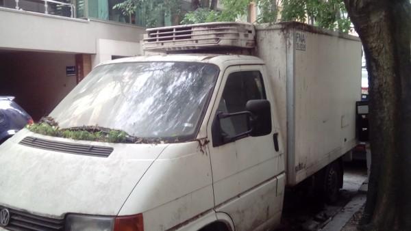 200 изоставени коли във Варна отиват за скрап