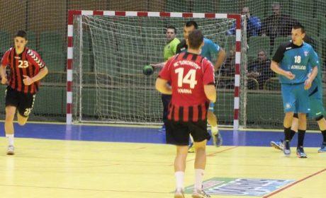 Локо взе хандбалното дерби във Варна