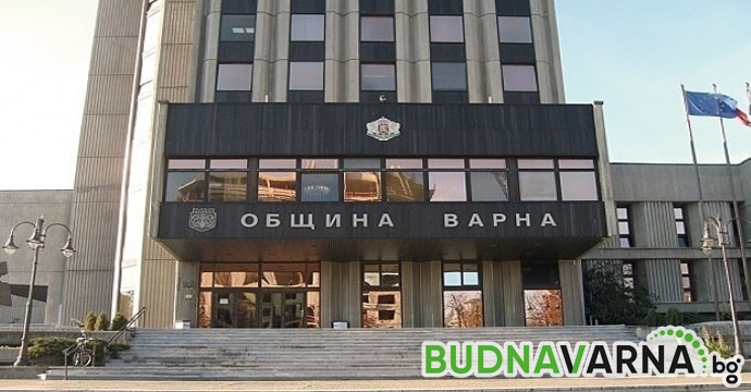Блъснаха пешеходец пред Община Варна