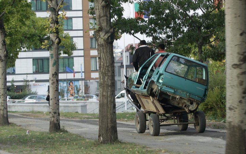 Две каруци и автомобил иззеха от бракониери горски служители във Варненско