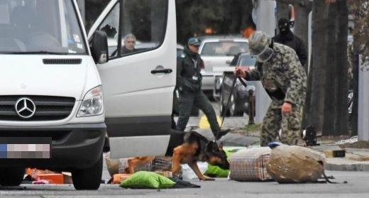Полицаи гониха микробус пълен с храна от Старо Оряхово до Варна