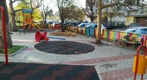 "Варненец: Ученици трошат детски площадки в квартал ""Чайка"" (снимки)"