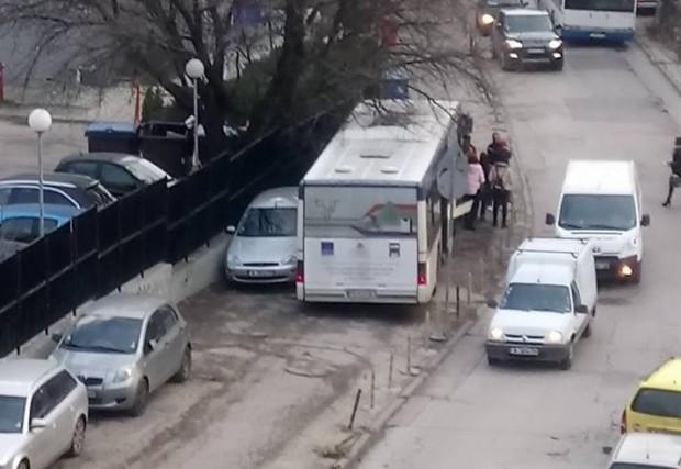 Автобусът без шофьор тръгнал заради отказала ръчна спирачка
