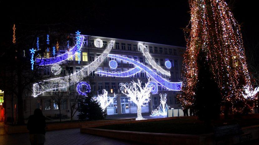 """Конкурсът """"Да украсим Варна за Коледа"""" продължава"""