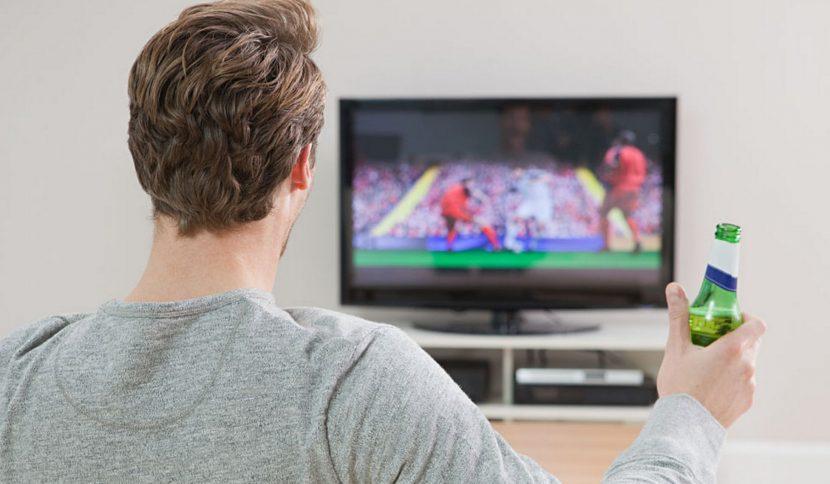17 мача по телевизията в събота