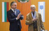 Почетен знак на кмета за оперния режисьор Кузман Попов