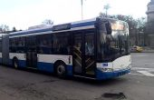 Истеричен автобусен шофьор шашка пътници във Варна
