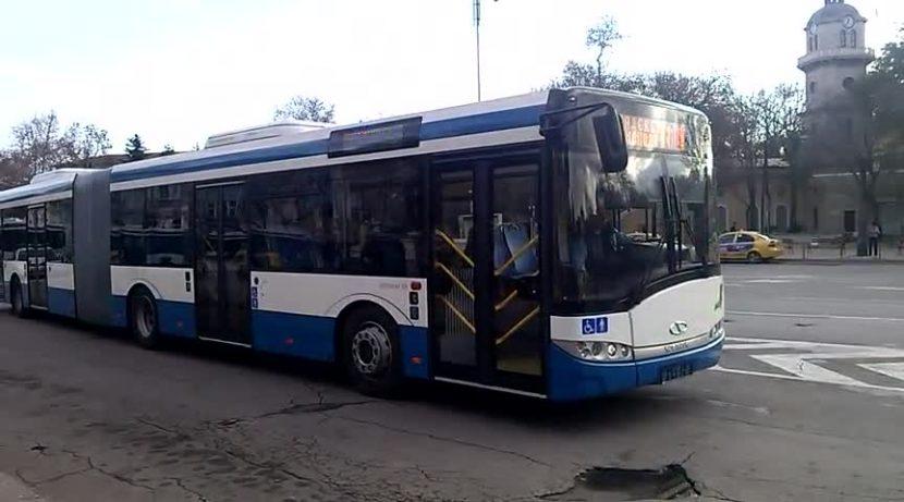 Безплатни автобуси ще обслужват гражданите в нощта срещу Великден