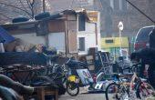 Самоделни постройки никнат на мястото на Частната автогара (снимки)