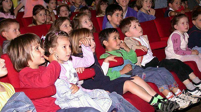 Безплатен куклен театър за децата