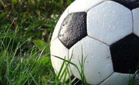 Футболни варненски легенди в благотворителен мач днес във Варна