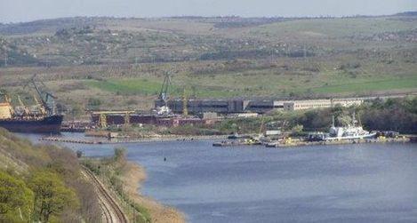 Работници от Флотски арсенал протестираха заради опасения за източване на дружеството