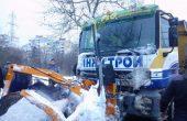 Снегорин закъса днес по пътя за Кичево, вадиха 7 коли от преспите