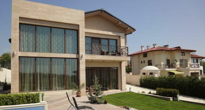 Най-много руснаци купуват имоти по родното Черноморие