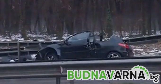 Непълнолетен е с опасност за живота след катастрофа край Варна