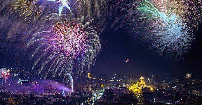 Честита нова 2018-а година, варненци!