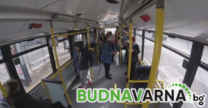 Пенсионерка пострада в автобус от градския транспорт във Варна