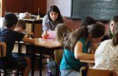 Ученици помагат на свои връстници във варненски училища