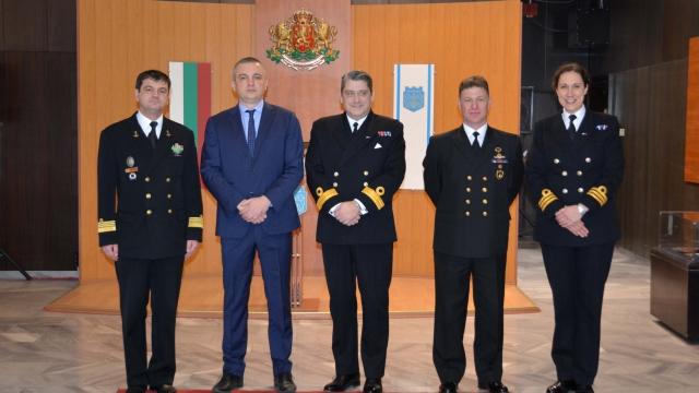 Kомодор Майкъл Ътли: Тук сме, за да пазим спокойна обстановка в акваторията на Черно море