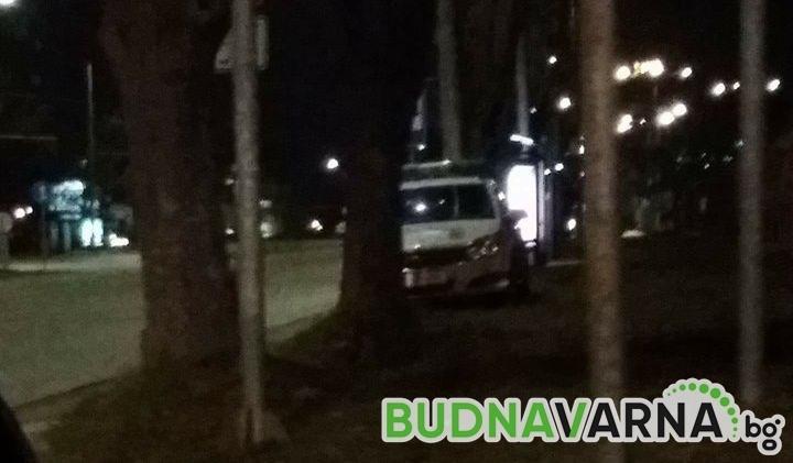Читател на Будна Варна: защо патрулките се крият зад дървета и храсти?