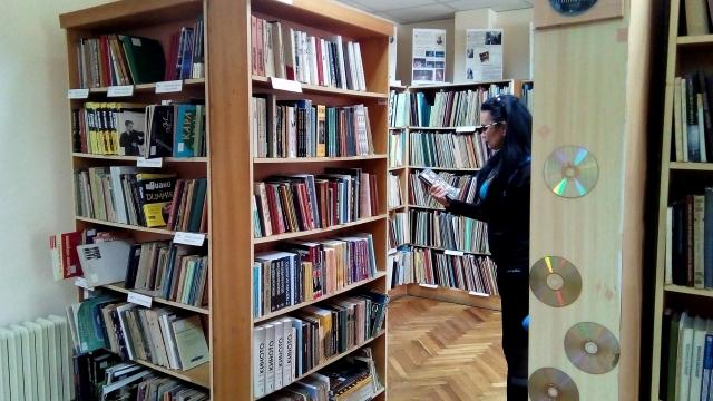 Около 200 000 книги и плочи са заели варненци от библиотеката през миналата година