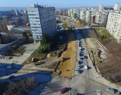 """Ремонтът на булевард """"Левски"""" от птичи поглед (снимки)"""