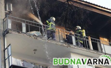 Мъж и жена пострадаха при пожар във Варна