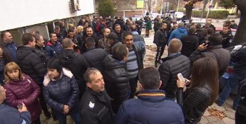 Варненските надзиратели отново излизат на протест