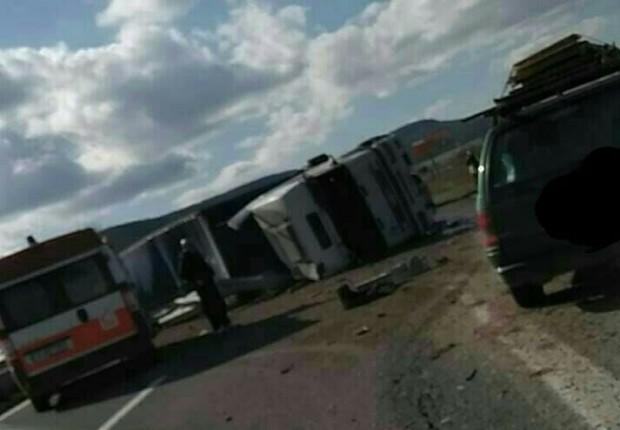 Камион се обърна на магистралата до Девня