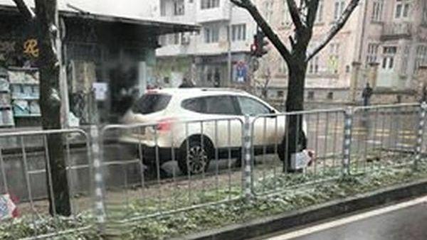 Читател на Будна Варна: варненка кара в насрещното