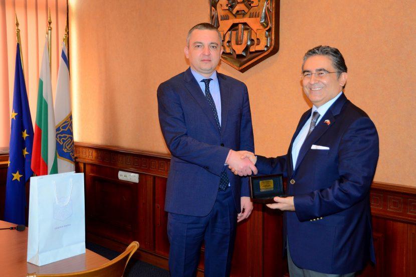 Кметът на Варна проведе среща с посланика на Република Турция