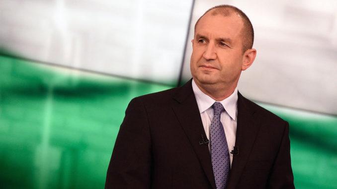 Румен Радев налага частично вето на Закона за извънредното положение