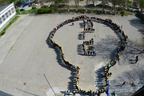 Варненски ученици с оригинален флашмоб за Деня на Земята