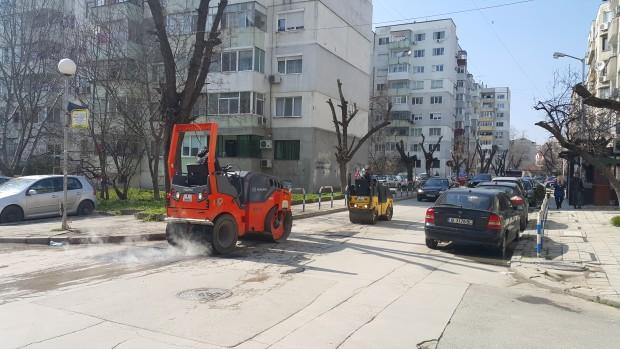Портних: Десетилетия наред във Варна не е полаган толкова асфалт, колкото в момента