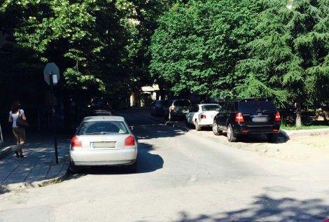 Над 800 шофьори с фишове за неправилно паркиране в Приморски парк