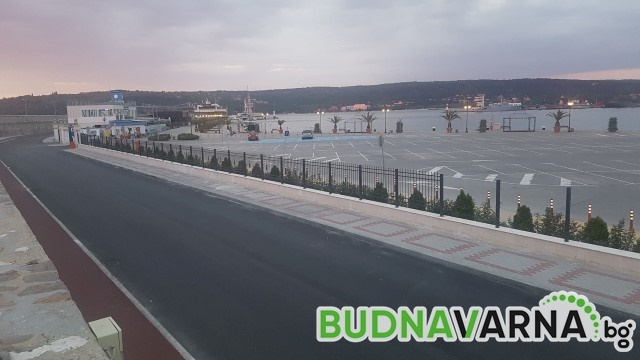 Велоалея вече свързва Морска гара с централната част