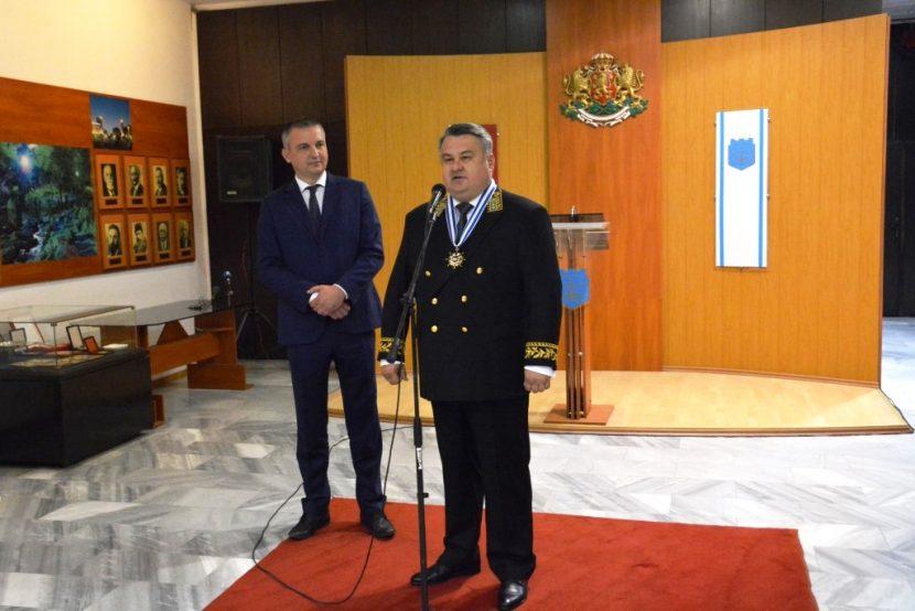 Почетен знак за Генералния консул на Русия