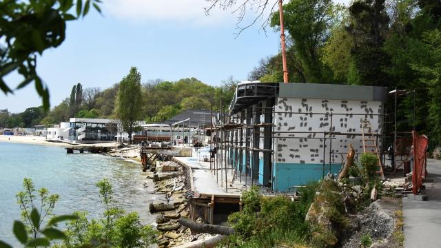 Сърф училище и медицински пункт изграждат на рибарския плаж