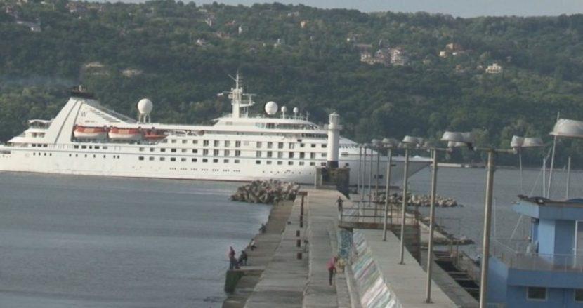 Нито един круизен кораб няма да посети Варна и Бургас това лято