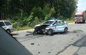 Патрулка и товарен автомобил катастрофираха край Варна