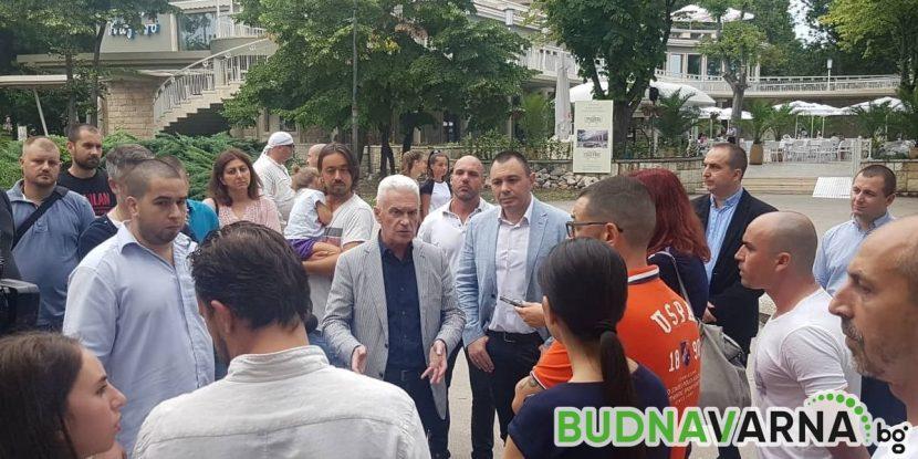 Волен Сидеров се срещна със собственици на заведения на крайбрежната алея
