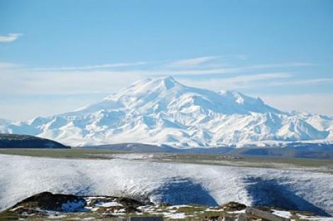 Варненци ще изкачват връх Елбрус